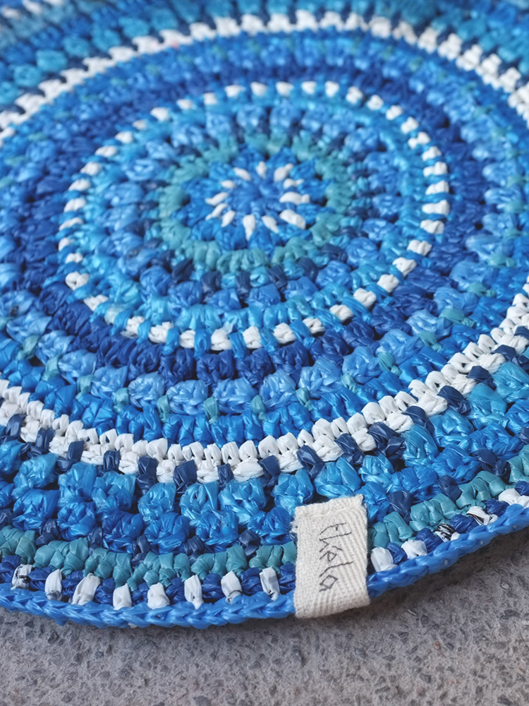 The crocheted Centerpiece - perfect to brighten up that unnoticed corner in your bedroom or contrast the monochrome table in your living room!
